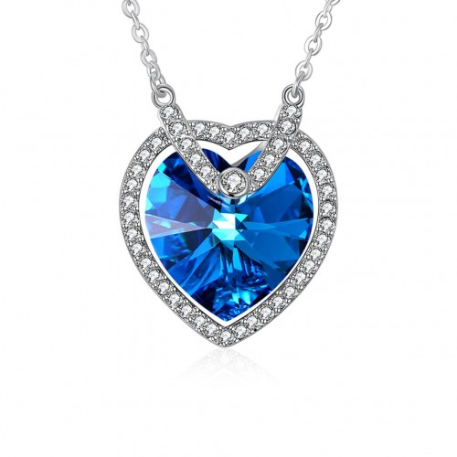 Crystal comes from the swarovski\'s heart-shaped, heart-shaped silver necklace