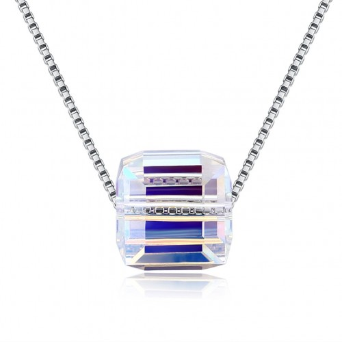 S925 crystal comes from the swarovski simple sugar crystal necklace.
