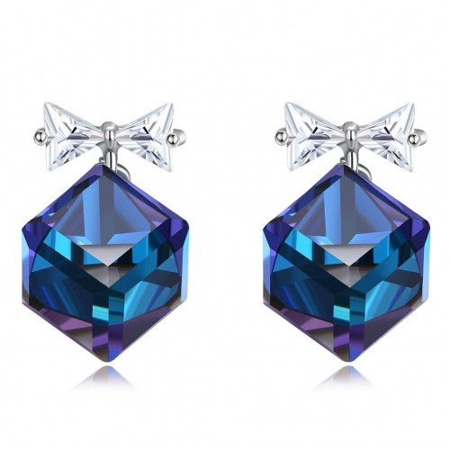 S925 crystal comes from the swarovski crystal ear nail.