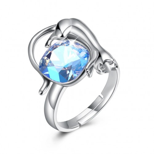 Swarovski's simple and simple silver ring